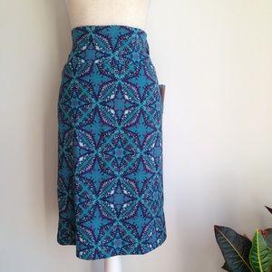 LuLaRoe Cassie tie-dye like patterned pencil skirt